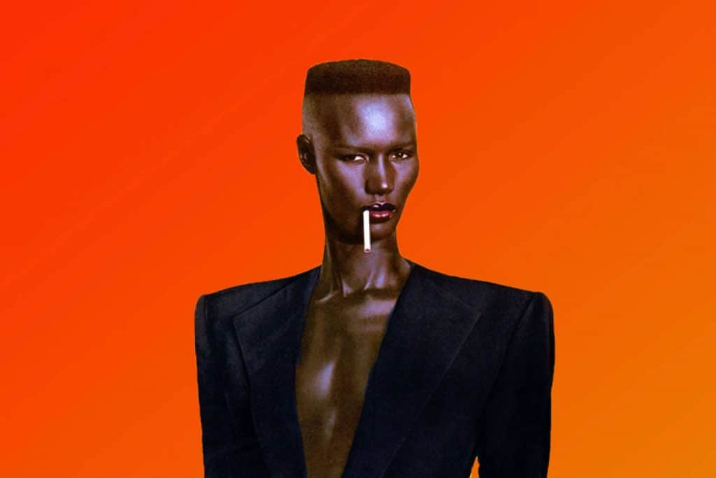201799-grace-jones.jpg-resize_then_crop-_frame_bg_color_FFF-h_1365-gravity_center-q_70-preserve_ratio_true-w_2048_