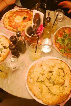Frankies leverer italienske vibes og gourmetpizza i København